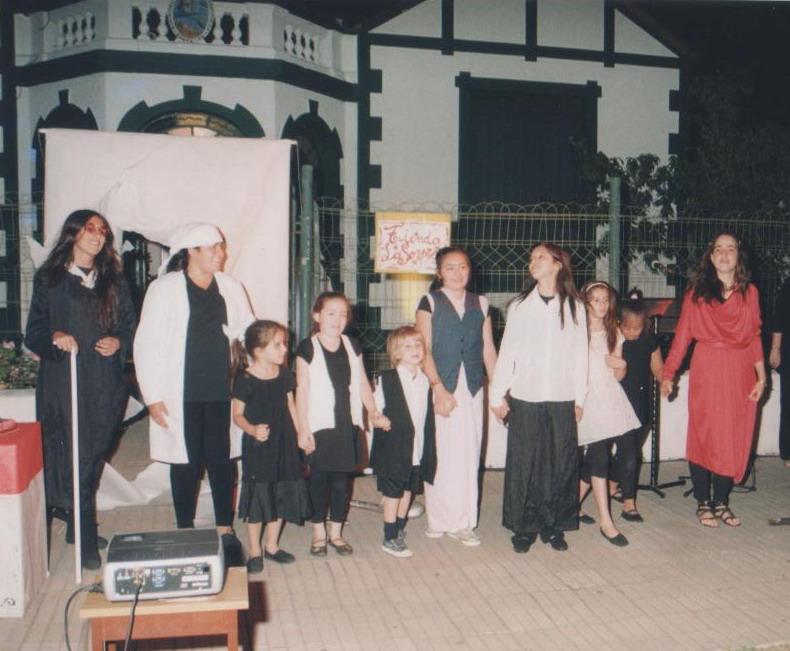 Actuación del Taller infantil y juvenil de Teatro y Mímesis de la Dirección de Cultura – Velada Navideña 2011